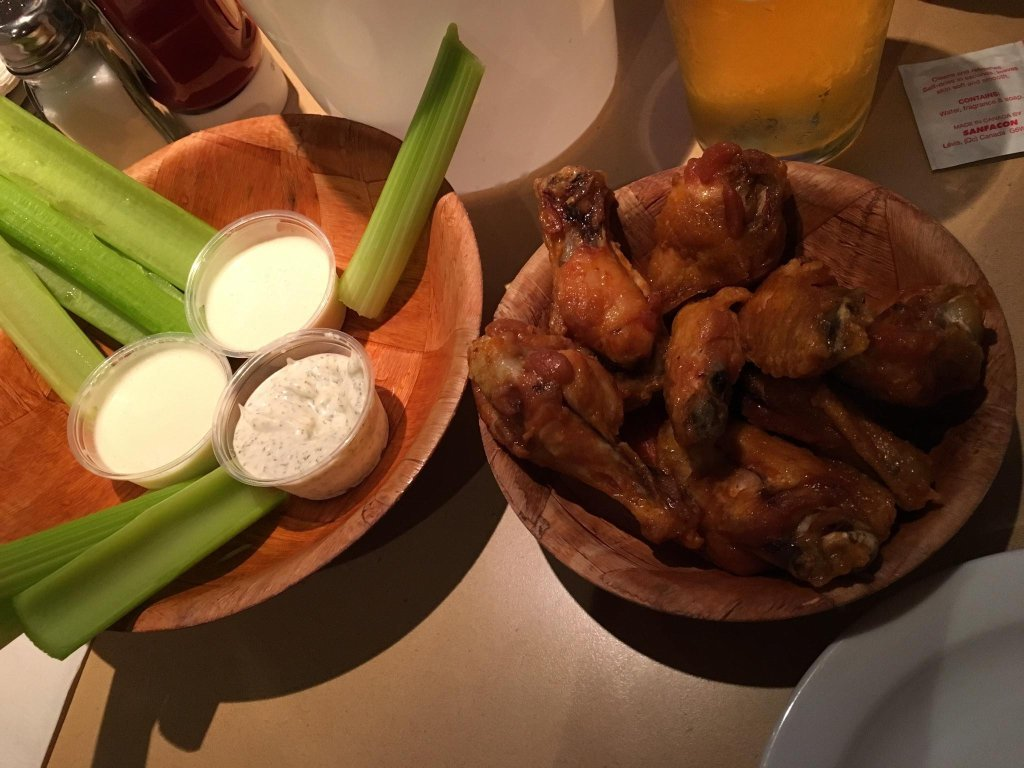 Duff`s Famous Wings